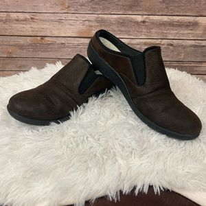 CLARKS CLOUD STEPPERS Brown Slip On Shoes sz 10